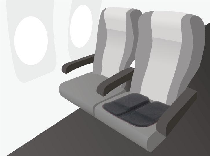 新幹線や飛行機のシートにもフィットする。