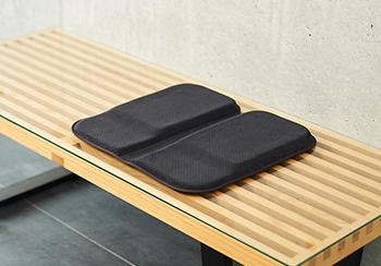 「快適な座り」を実現するための要素を、<br /> 25mmの薄さで。