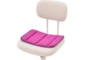 オフィスの椅子に。