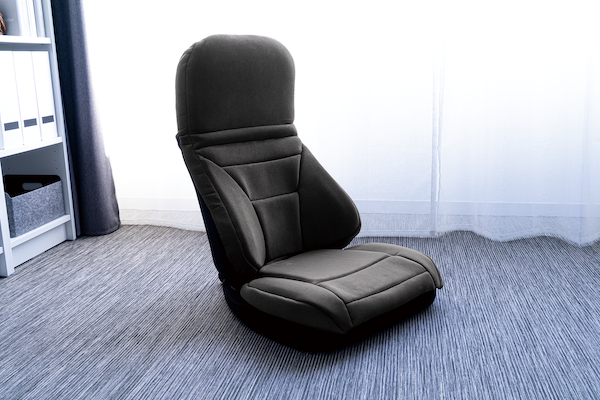 自動車シートを想起させるデザイン